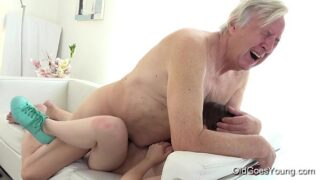 Teen Luna wants to be fucked by some old man